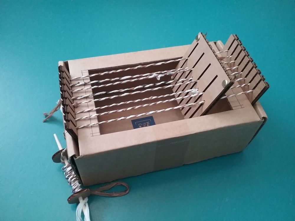 image of the box loom